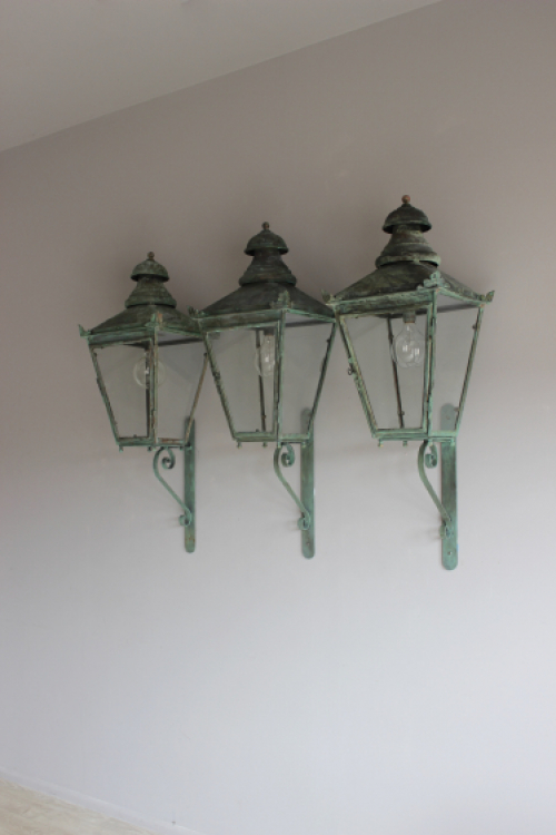 Antique lighting - for outside - image 2