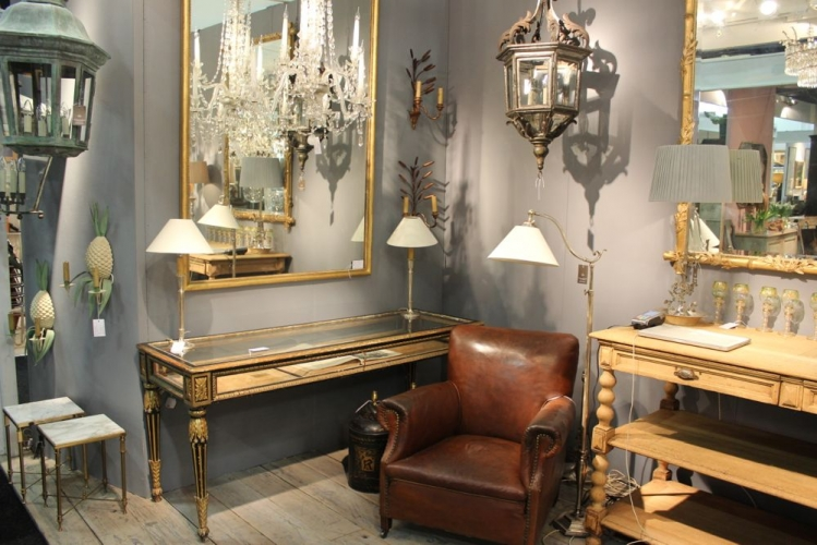 Antique Lighting at the Decorative Fair - Main image