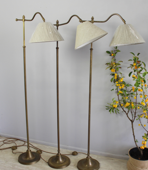 Antique lighting at the October Decorative Fair - image 6