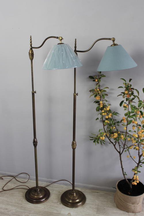 Antique lighting at the October Decorative Fair - image 8