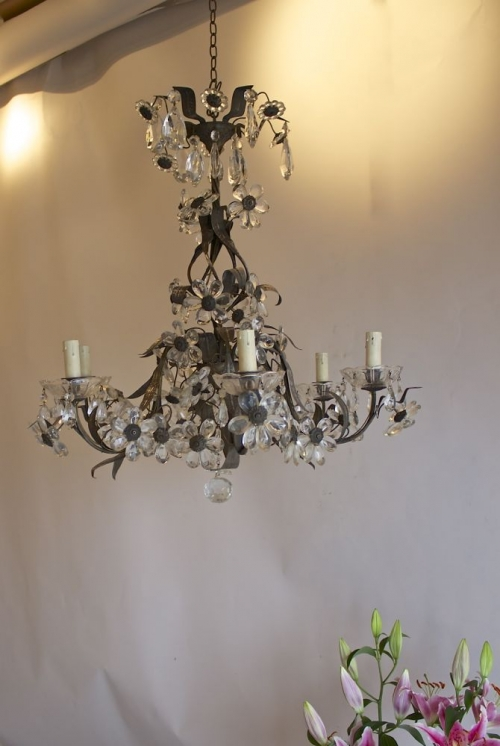 Antique lighting for bedrooms , chintz revival - Main image