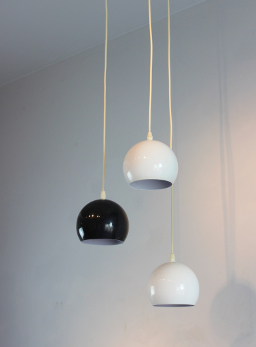 Set of 3 hanging lights in white and black